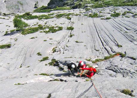 Alpin Klettern im alpinen Gelände